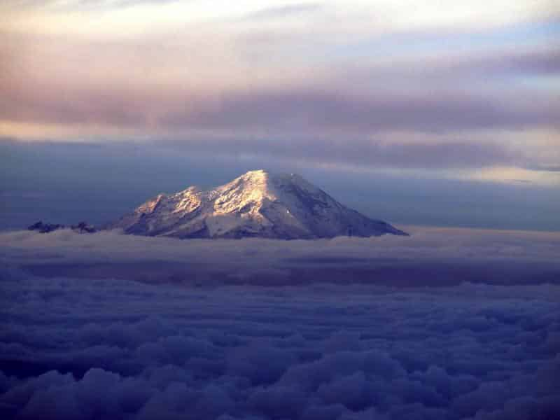 top-5-volcanoes-to-climb-in-ecuador-chimborazo