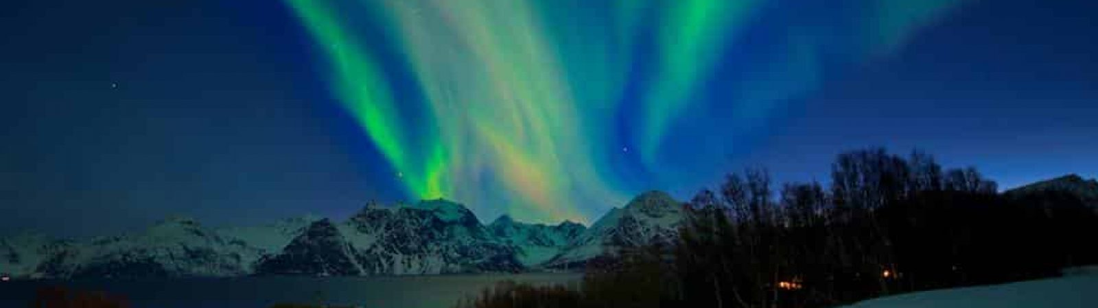 Northern lights in the Lyngen Alps