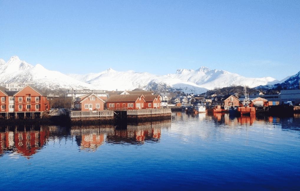Ski touring in the Lofoten Islands 8-day trip