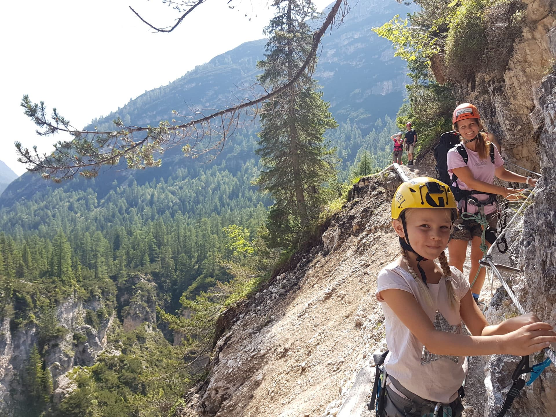 Cascate di Fanes via ferrata in Cortina. 1-day trip. Certified leader a24d5a2fb36