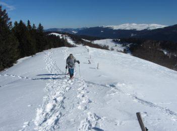Jura guided snowshoeing traverse