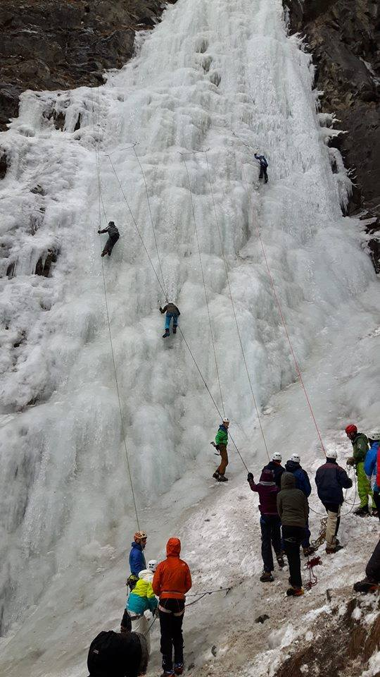 Ice climbing in Les Ecrins