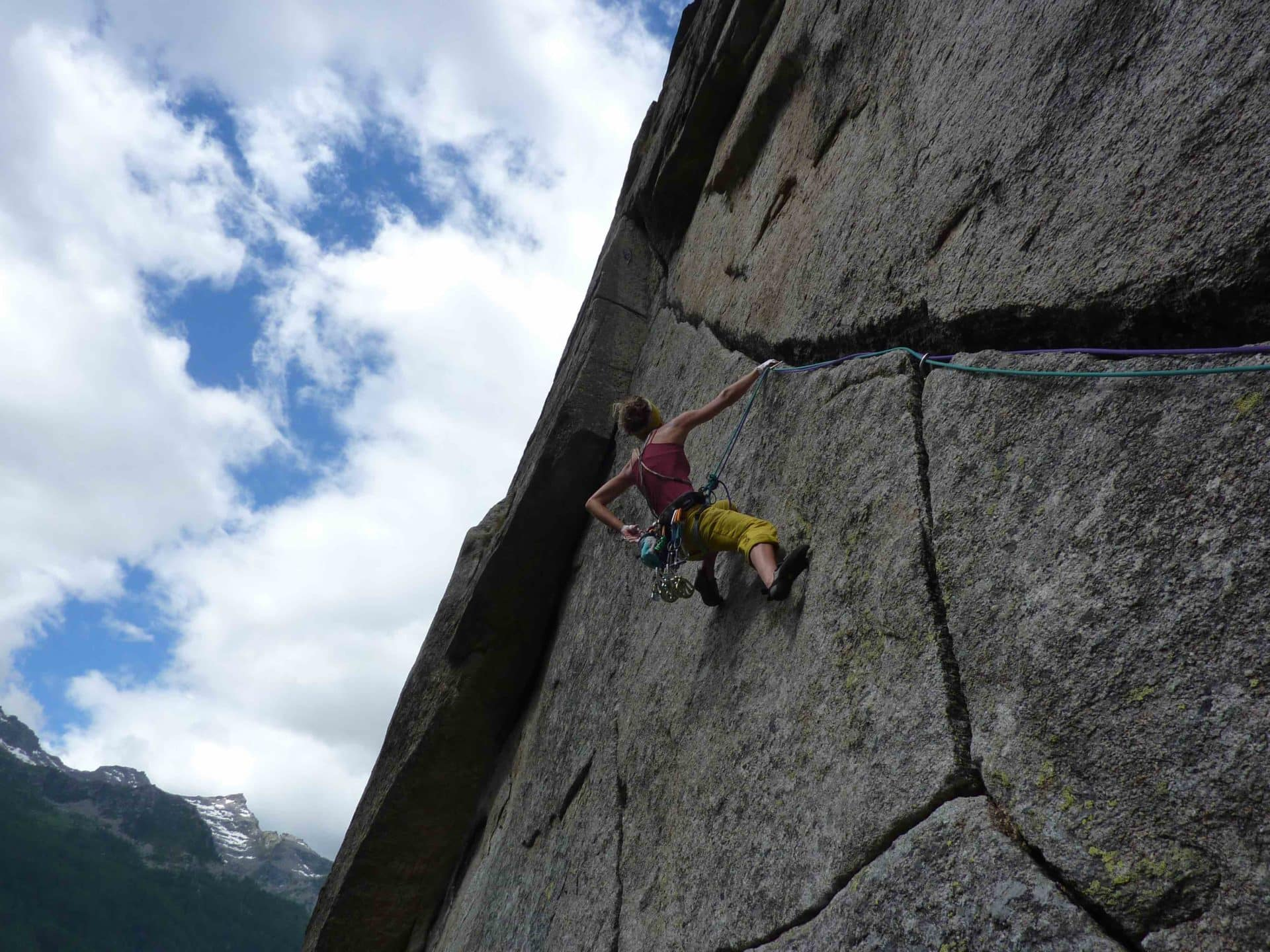 Guided multi-pitch climbing in the Alps