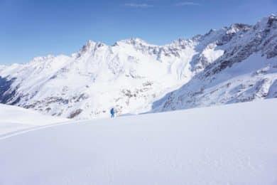 Stubai-Arlberg 8-day guided freeride skiing tour