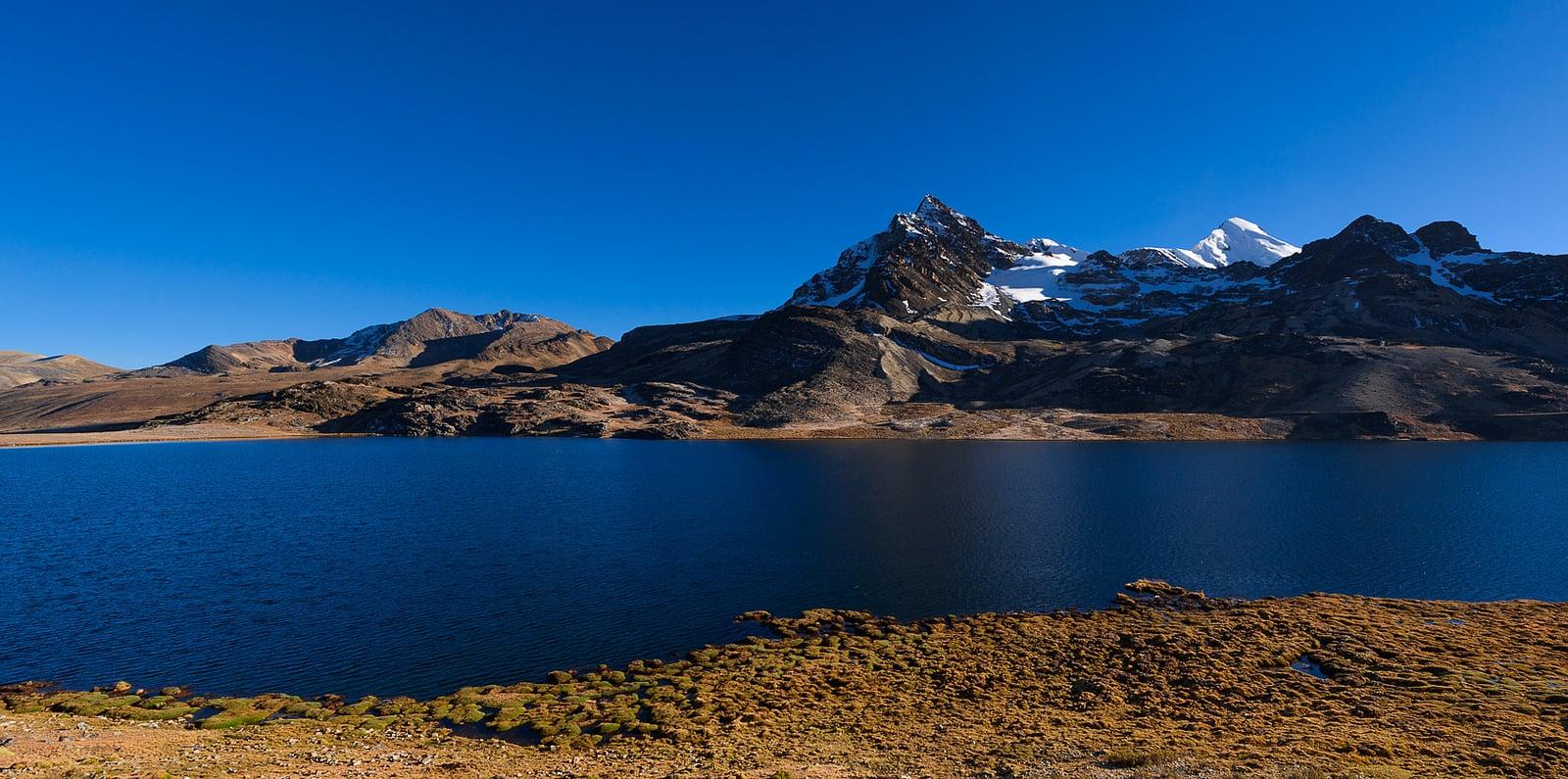 One-week guided Apolobamba trekking tour