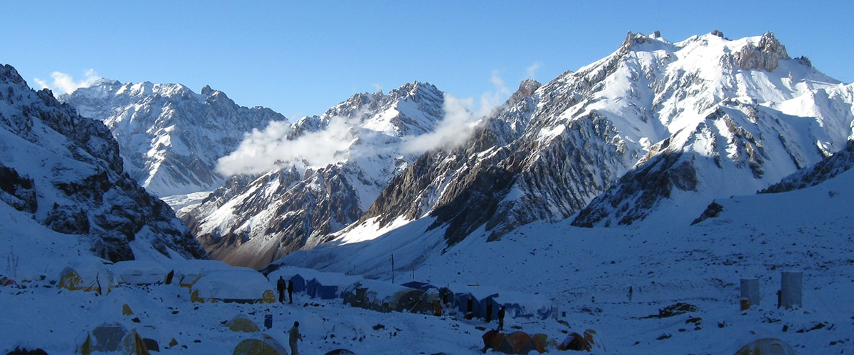 Aconcagua climb with a guide in 12 days