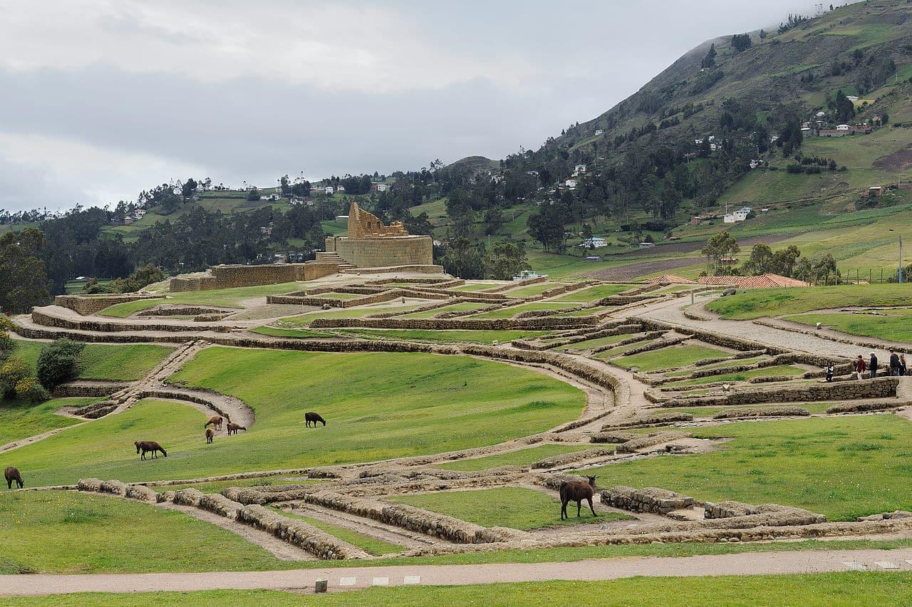 Inca Trail to Ingapirca hiking tour in Ecuador