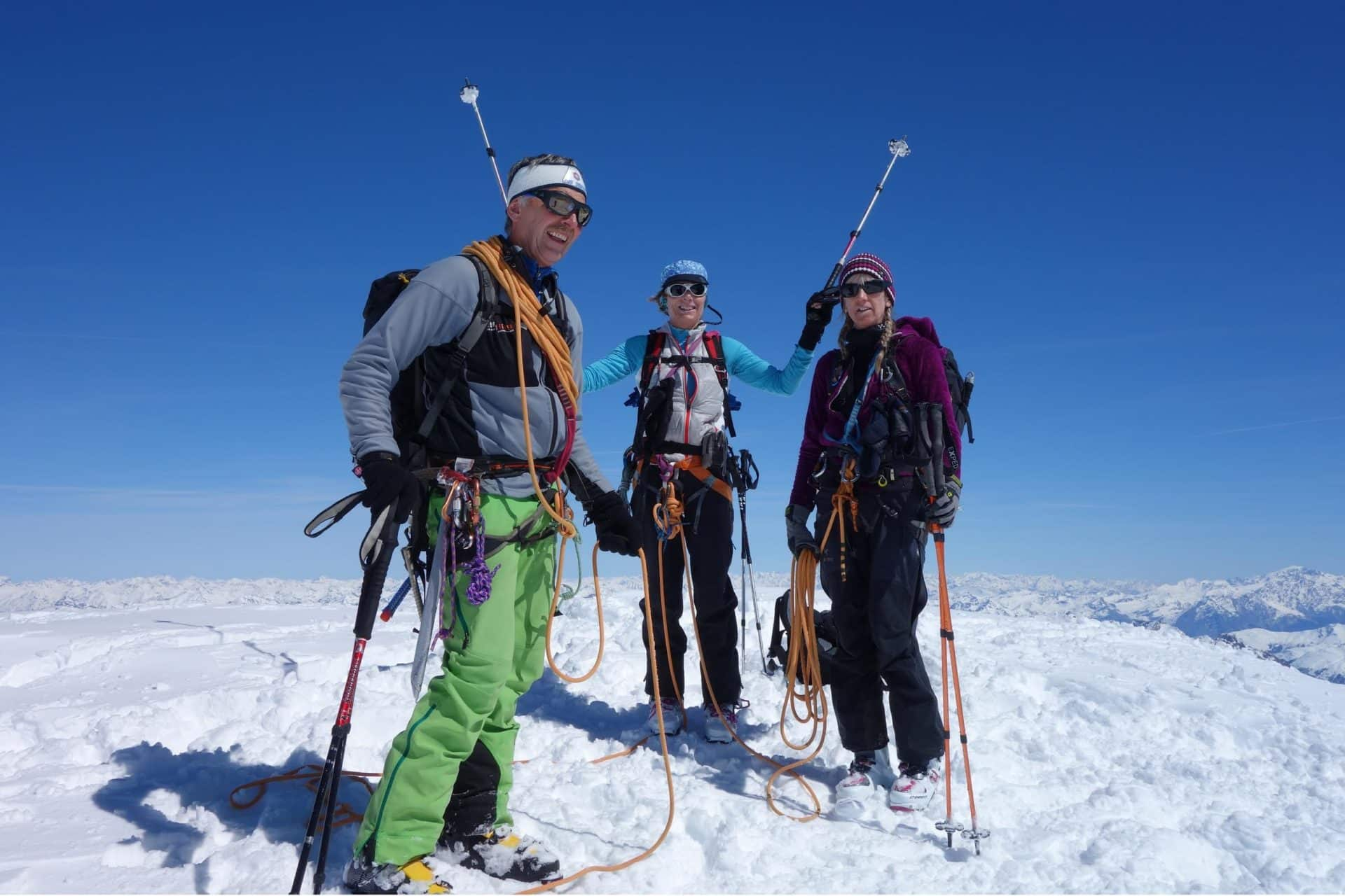 Guided ski touring in the Swiss Berner Oberland