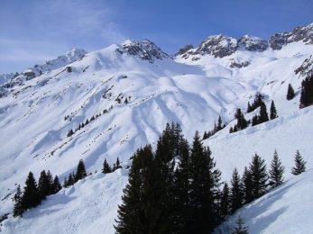 Off-piste ski day at Sölden