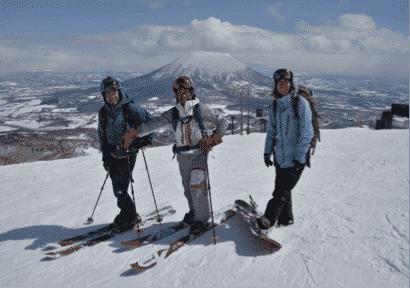 Guided powder ski tour – Niseko Ski Resort