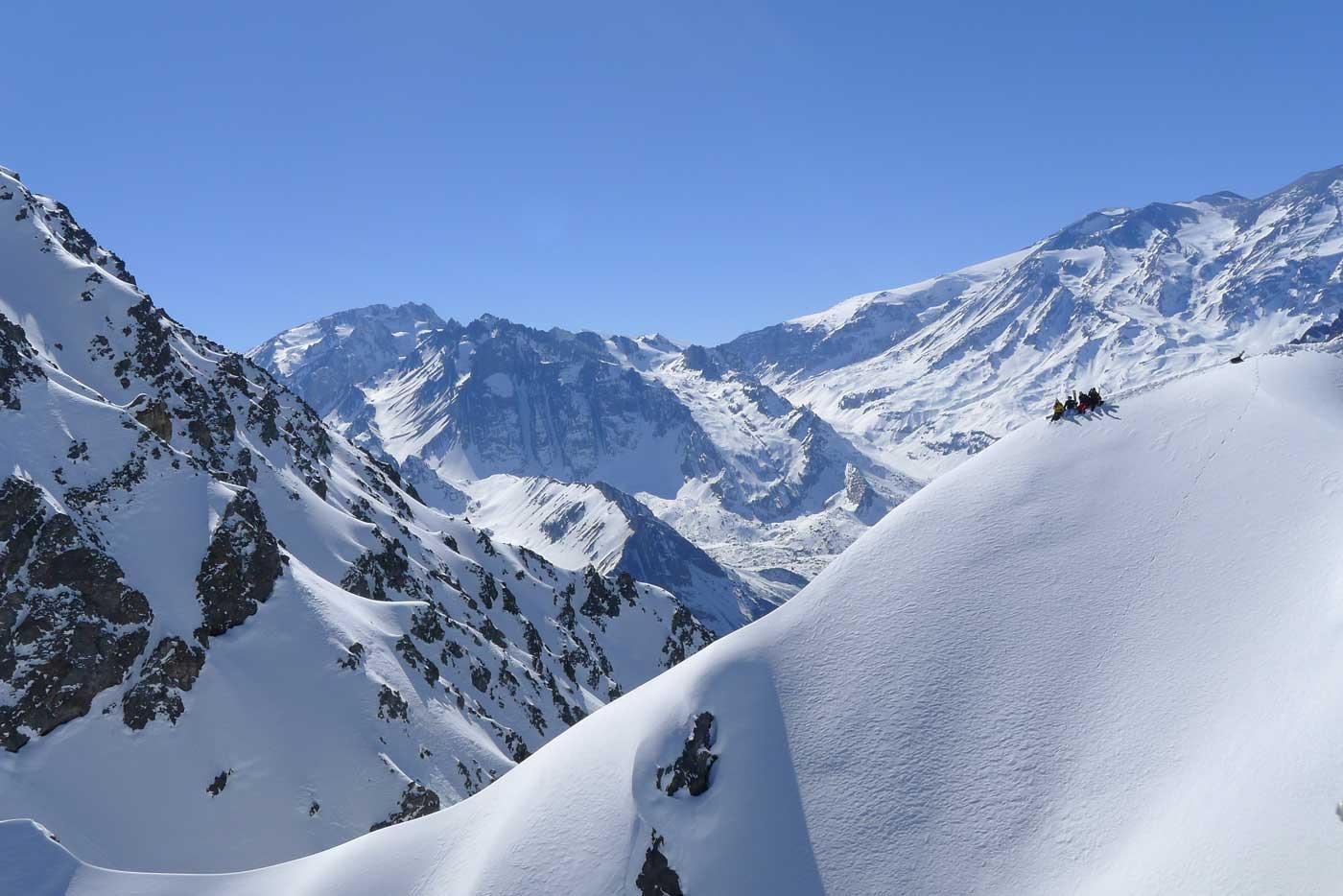 Cajon del Maipo full day guided skiing program