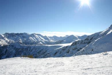 Hut to hut ski tour Pirin Mountaisn Bansko Bulgaria
