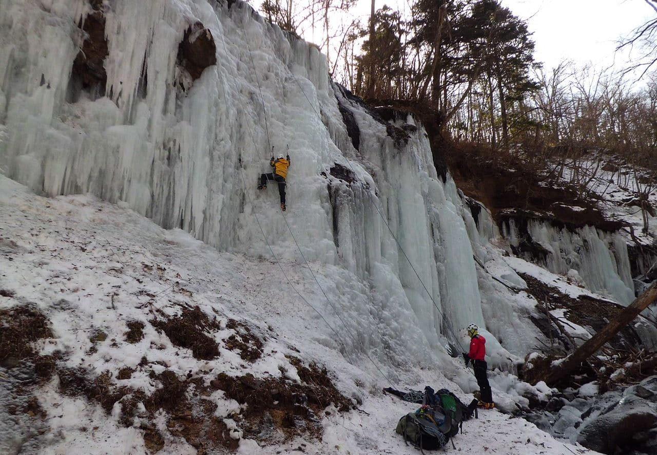 1-day ice climbing in Hokkaido