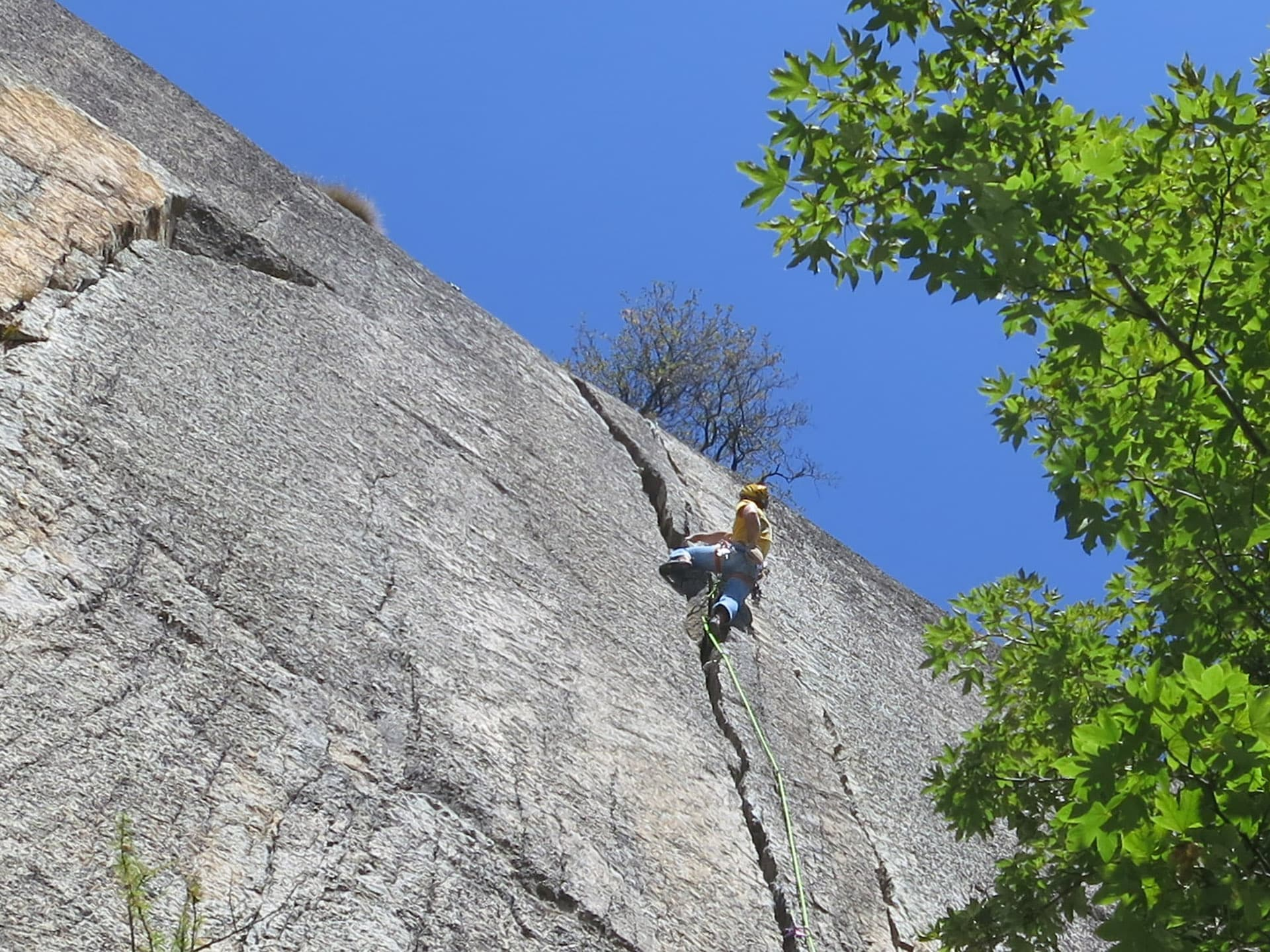3-day Trad Climbing course for beginners in Ossola Valley