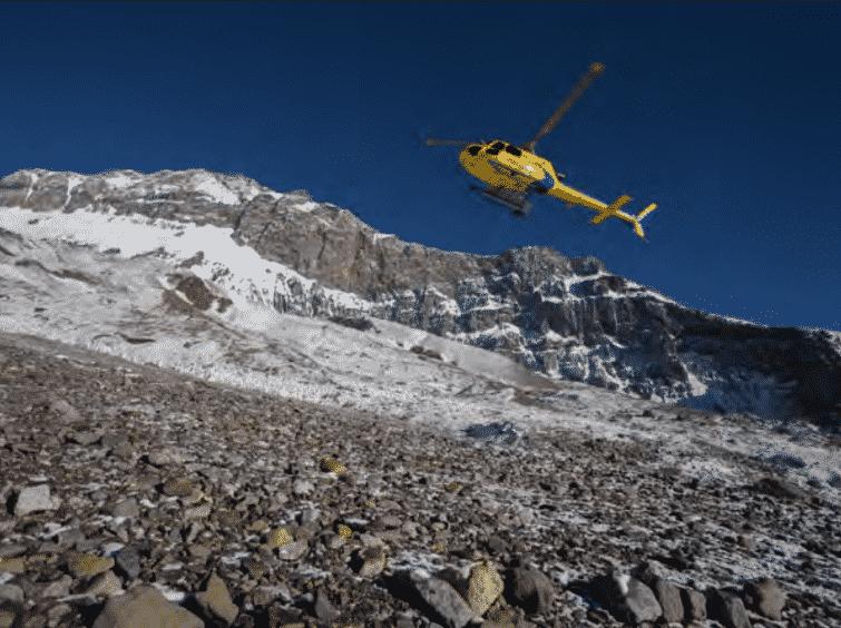 Plaza Argentina-Vacas Valley trek with heli charter