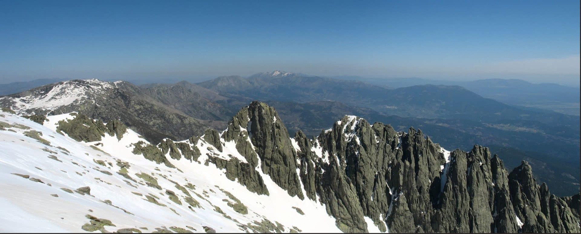 1-day hike to La Mira Peak summit in Gredos
