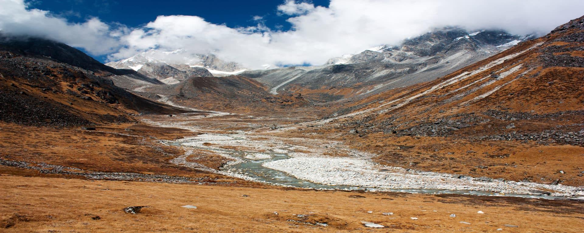 Langtang Ganjala Trek, 16-day program
