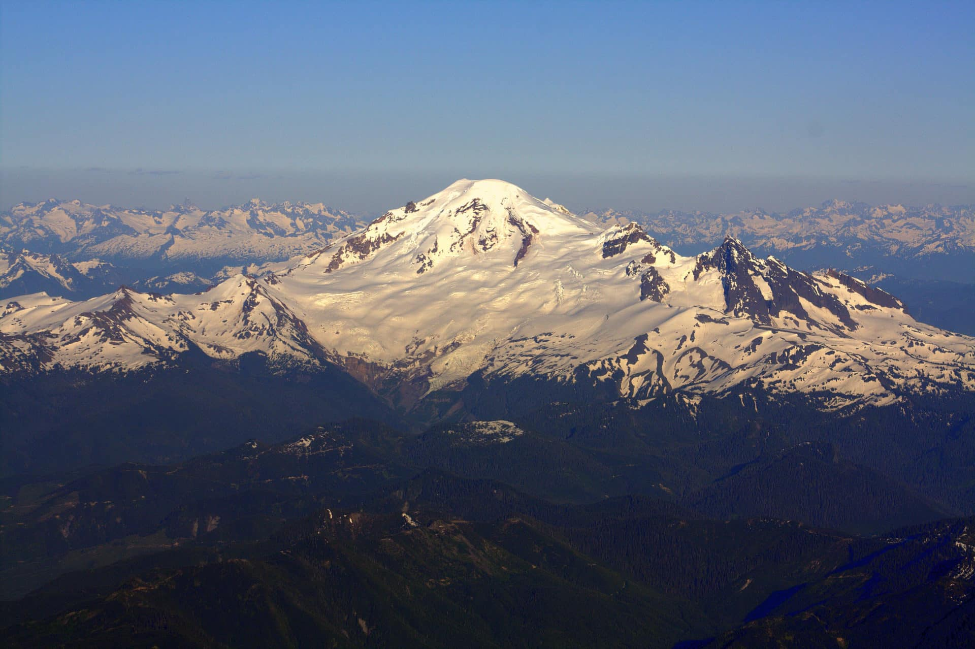 Backcountry skiing day trips on Mt. Baker