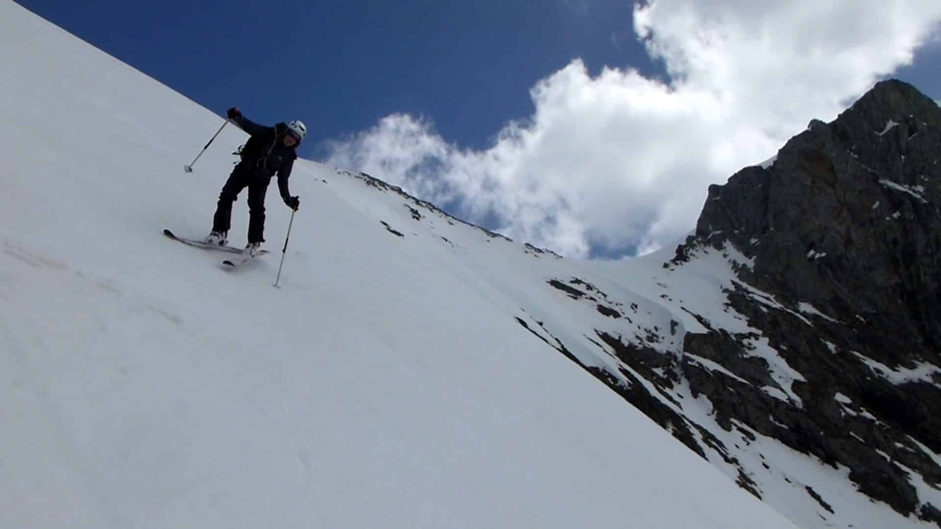 Extreme 2-day ski tour in Mont Valier, Pyrenees
