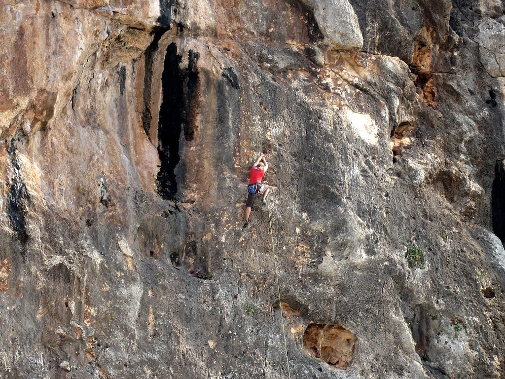 Private guiding in Spain (rock climbing, canyoning and via ferrata)