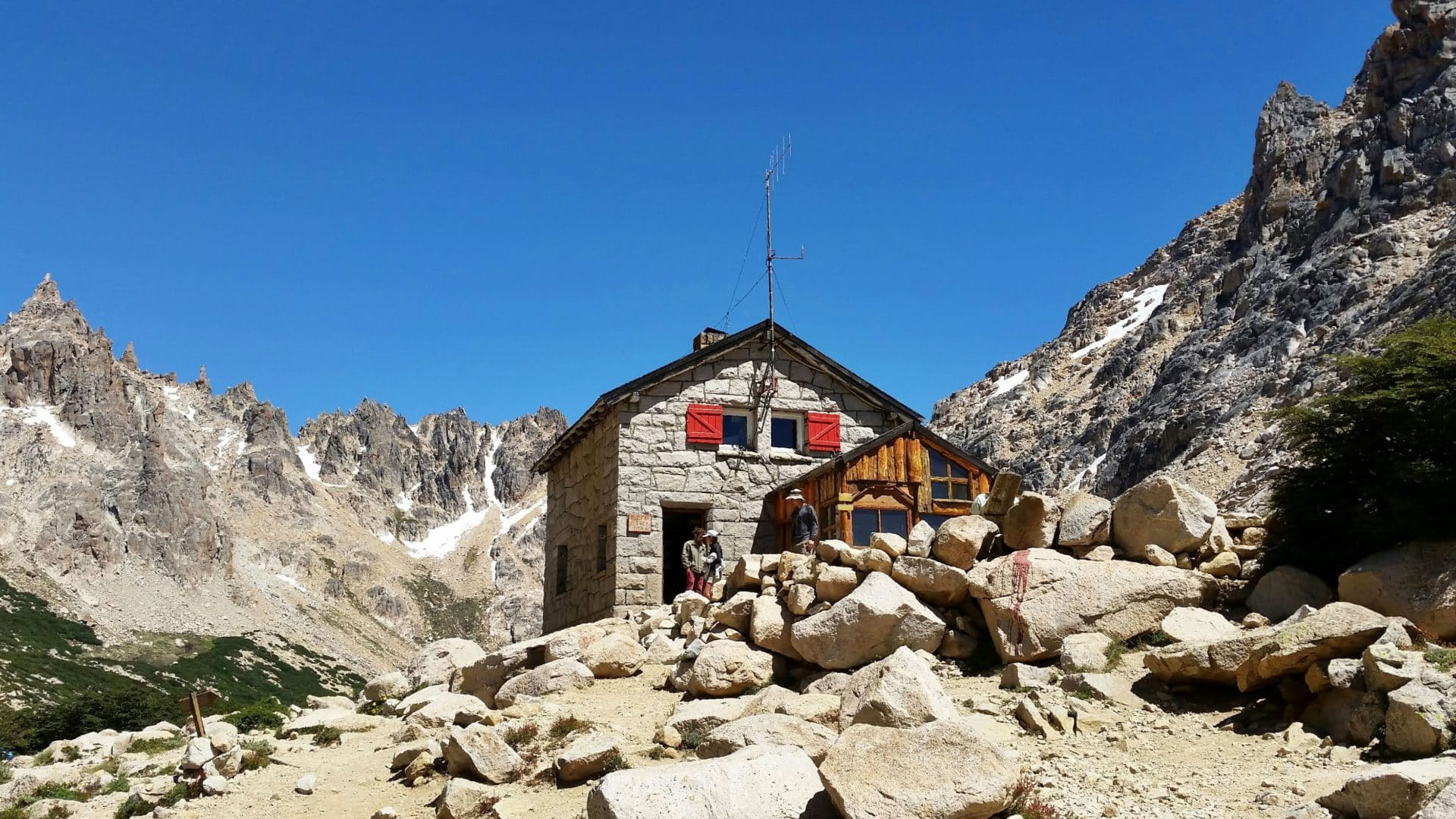 Multi-day trad climbing expedition around Frey Hut