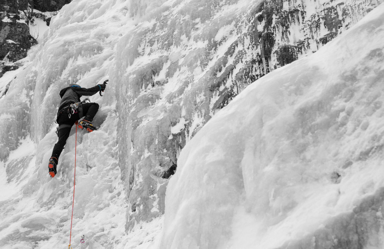 Ice climbing in Finland for beginners. 1-day trip. Certified leader