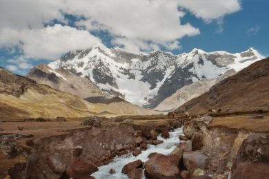 Hiking the Ausangate Trail in Peru: Facts & Information. Routes, Climate, Difficulty, Equipment, Cost